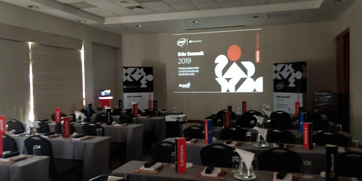 Education Summit Lenovo at Paracas, Perú